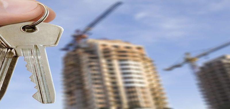 Кто по закону имеет право на получение жилья вне очереди
