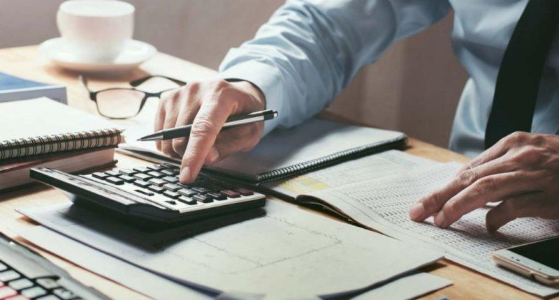 Как делятся денежные вклады в банках при разводе ?!
