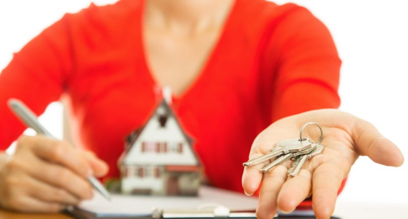 По каким признакам налоговая может узнать, что вы нелегально сдаете квартиру