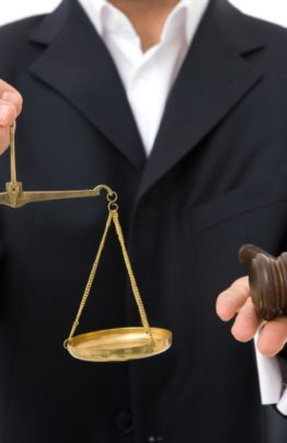 Жилищный юрист | Консультации по жилищным вопросам |Услуги в суде|